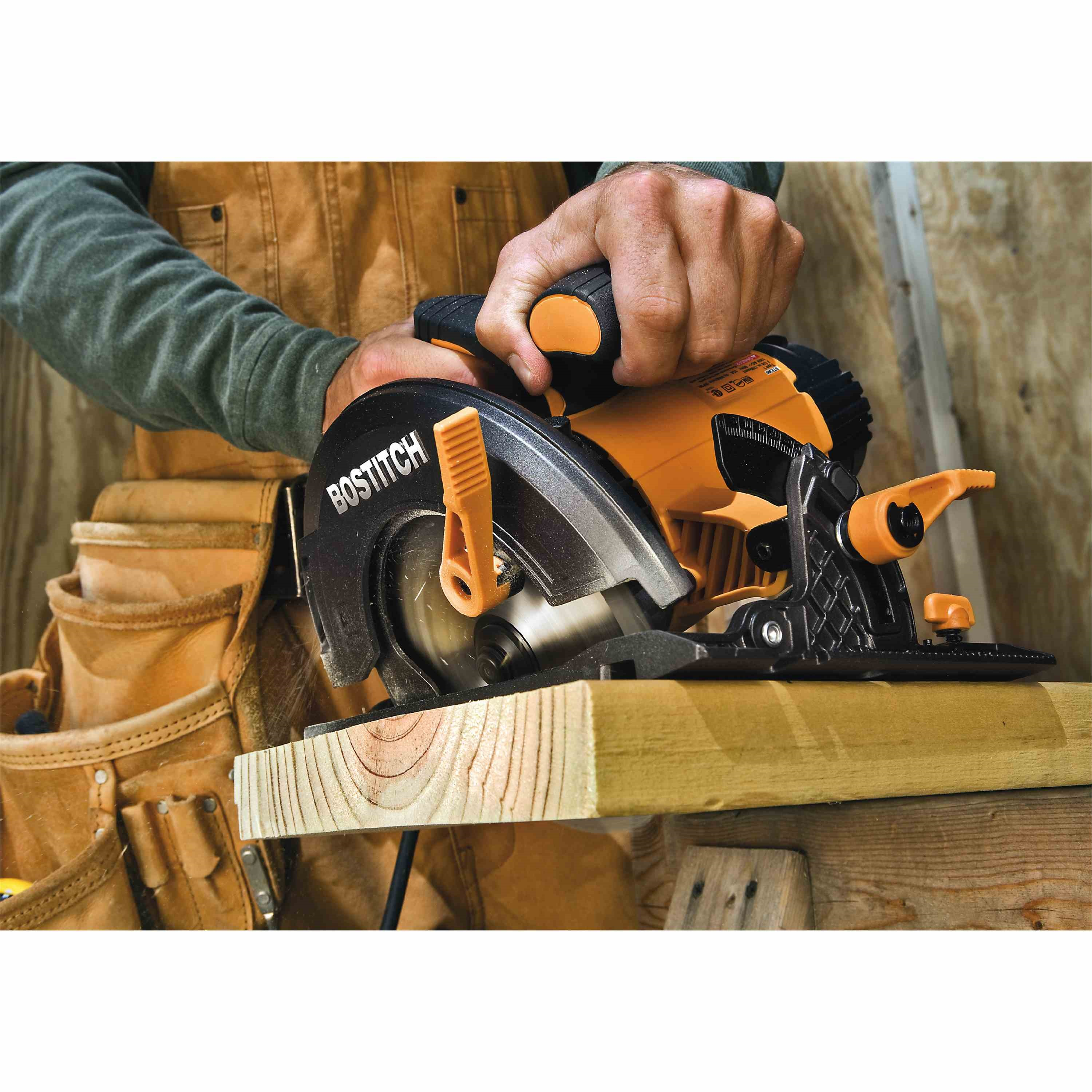 Bostitch - 15 Amp 714 Circular Saw Kit - BTE300K